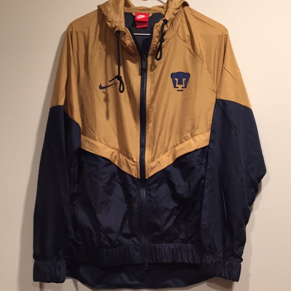 8c7722d1c nike pumas unam track jacket
